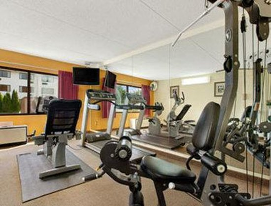 Ramada Inn Asheville: Fitness Center