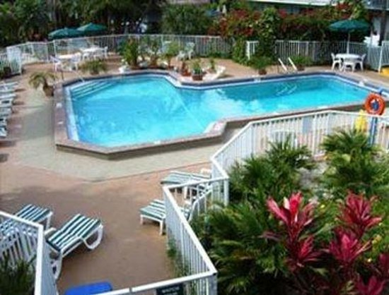 Ramada Airport-Cruise Port Fort Lauderdale: Pool