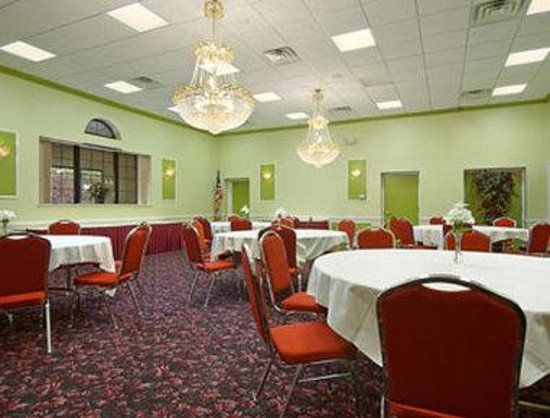 Flemington, NJ: Meeting Room
