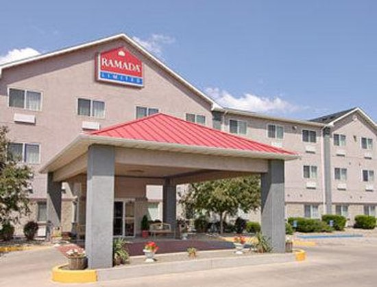 Ramada Limited Suites - Bismarck: Welcome to the Ramada Limited Bismarck Northeast