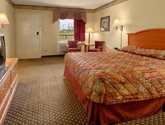 Ramada Limited - Horn Lake: Standard King Bed Room