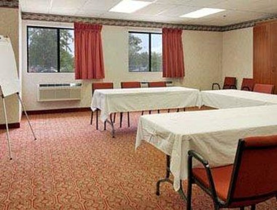 Bolingbrook, IL: Meeting Room