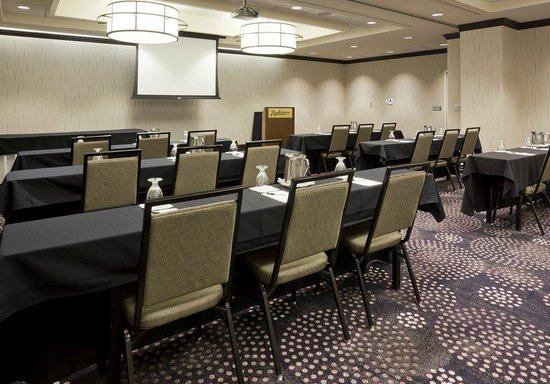 , : Radisson Fargo Meeting Room