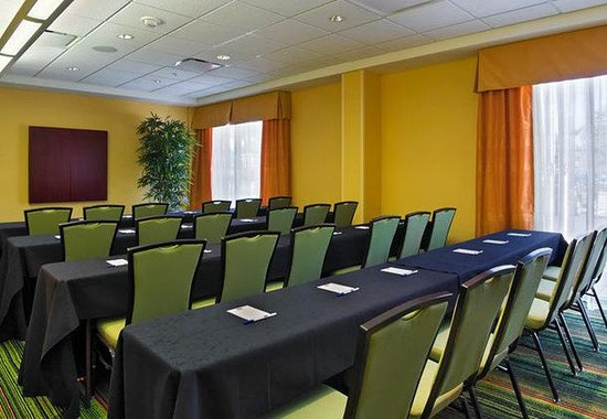 Fairfield Inn & Suites Louisville Downtown : Meeting Room B - Classroom Set-up