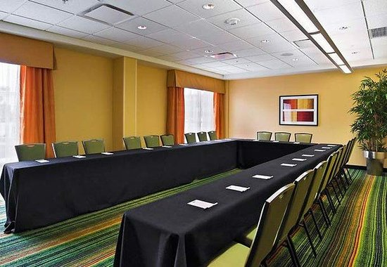 Fairfield Inn & Suites Louisville Downtown : Meeting Room B - U Shape Set-up