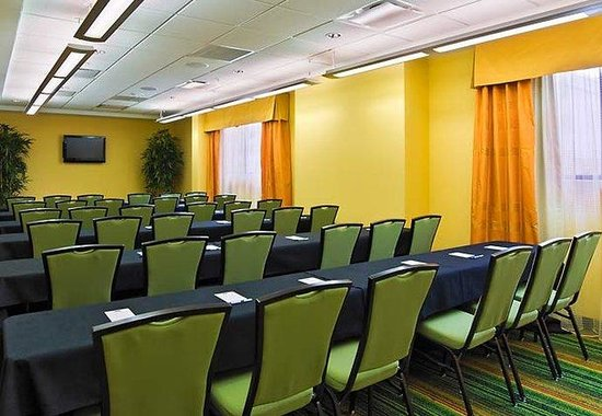 Fairfield Inn & Suites Louisville Downtown : Meeting Room C - Classroom Set-up