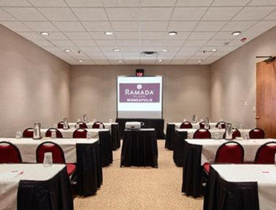 Ramada Plaza Minneapolis: Meeting Room