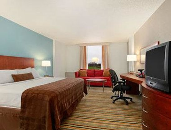 Ramada Plaza Minneapolis: Guest Room
