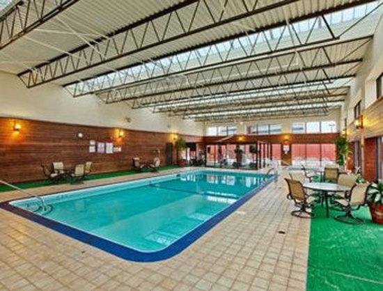 Ramada Plaza Minneapolis: Pool