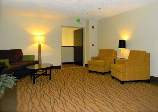 Pasco, WA: Lounge Area