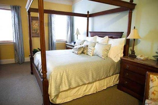 Foundry Park Inn and Spa: Presidential Suite Bedroom