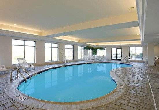 Fairfield Inn &amp; Suites by Marriott Coventry: Indoor Pool &amp; Spa