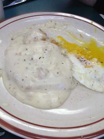 Mount Clemens, มิชิแกน: Biscuit and gravy + egg