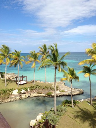 Sanctuary Cap Cana: View from Ocean Bar Pool