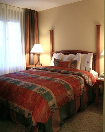 Alpharetta, : Single Bed Guest Room