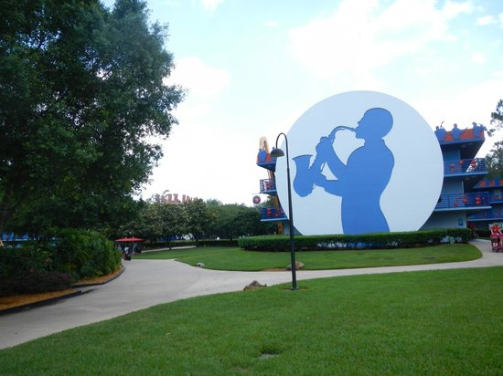 Disney's All-Star Music Resort: Resort Grounds