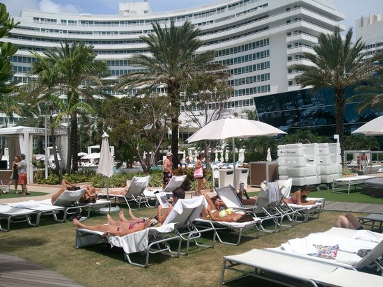 Fontainebleau Miami Beach: Piscina