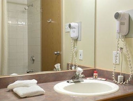 Grande Prairie, Canada: Bathroom