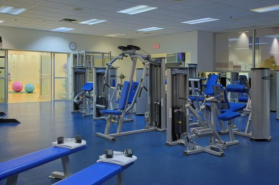 Hotel Grand Pacific: Weight Room