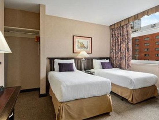 Ramada Limited Downtown: Standard Two Twin Bed Room