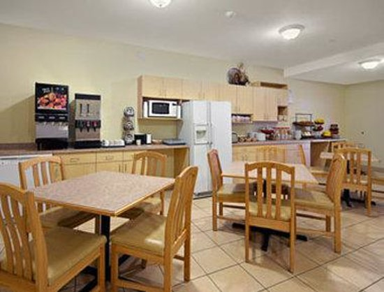 Ramada Limited Golden: Breakfast Area