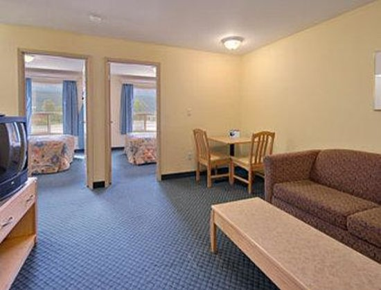 Ramada Limited Golden: Two Bedroom Suite