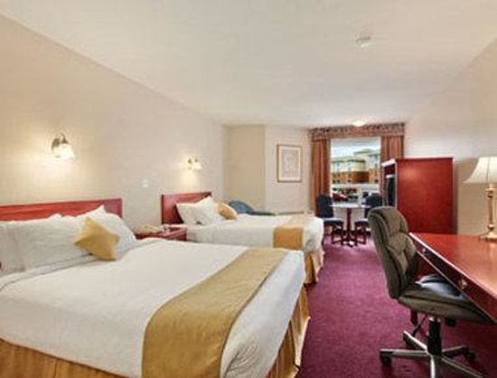 Ramada Edmonton International Airport: Standard 2 Queen Bed Room