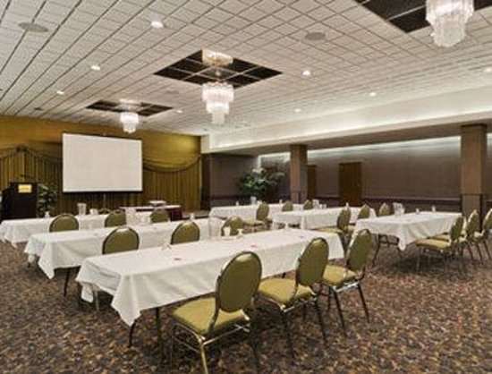 ‪‪Ramada Hotel Downtown‬: Meeting Room‬
