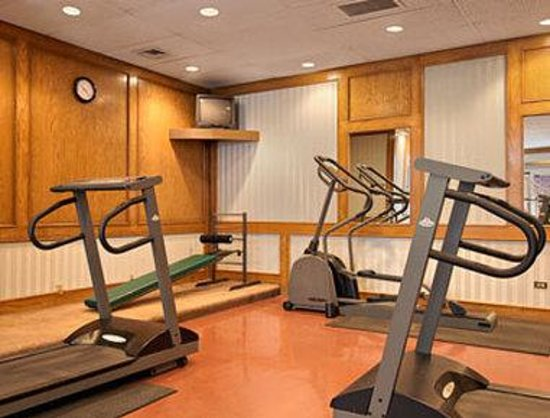 ‪‪Ramada Hotel Downtown‬: Fitness Centre‬