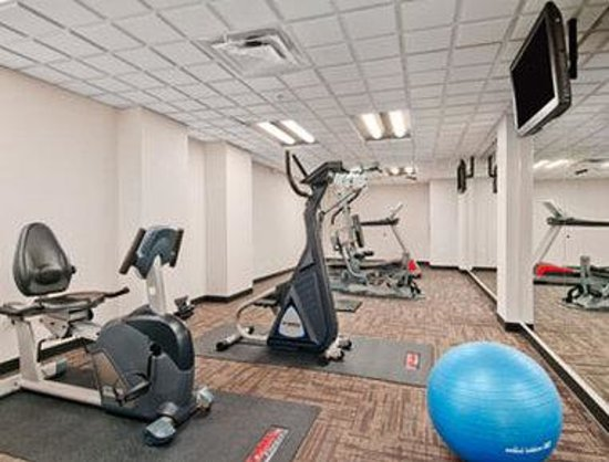 Ramada Edmonton South: Fitness Centre