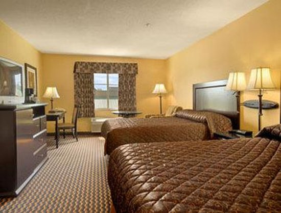 Surrey, Canada: Standard Two Queen Bed Room