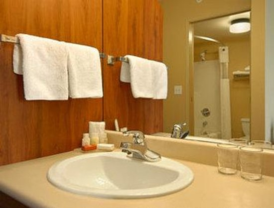 Surrey, Canad: Bathroom