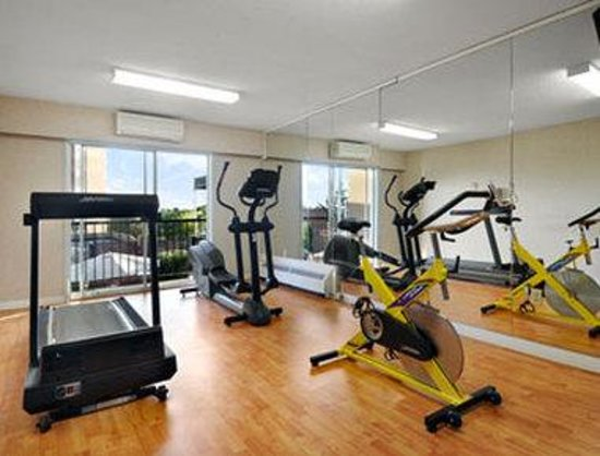 Ramada Victoria Hotel: Fitness Center