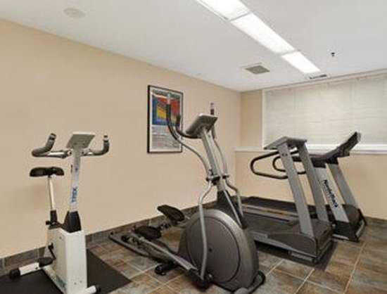 Ramada Limited Edmonton East/Sherwood Park: Fitness Centre