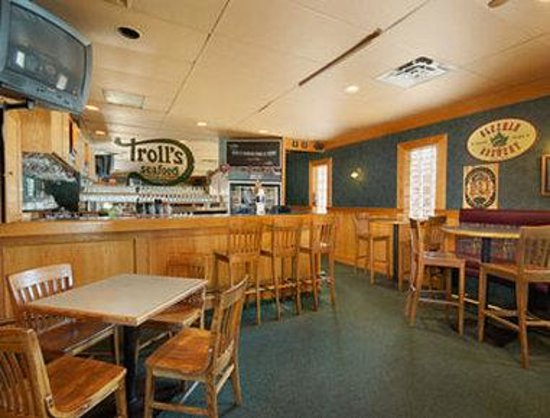 Coquitlam, Canada: Trolls Bar