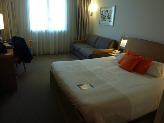 Novotel Convention & Wellness Roissy CDG : Room