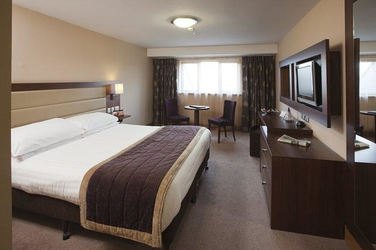 BEST WESTERN PLUS Westport Woods Hotel: Guest Room