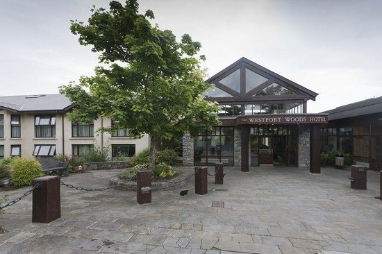 BEST WESTERN PLUS Westport Woods Hotel: Exterior