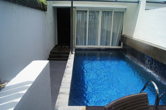 Hotel Santika Premiere Beach Resort Bali: Suite with private pool
