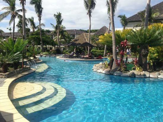 Sofitel Fiji Resort & Spa: Free form pool