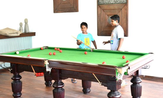 Avani Bentota Resort & Spa: Billiard board in the bar