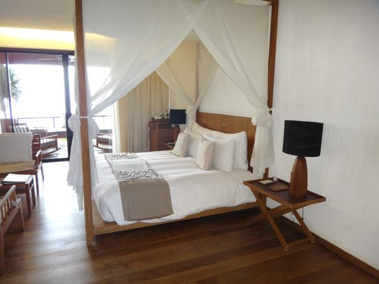 Hansar Samui Resort: Bed