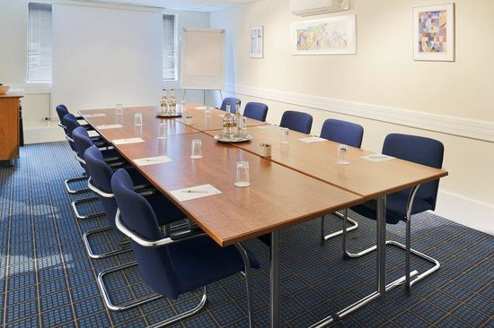 Holiday Inn Lancaster: We&#39;re committed to make your meeting a success
