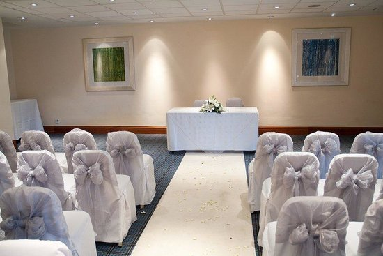 Holiday Inn Lancaster: Civil Ceremonies for up to 100 people in the Halton Suite