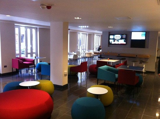 Holiday Inn Express London- Southwark: Reception Area