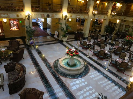 The Davenport Hotel & Tower: Hotel Lobby