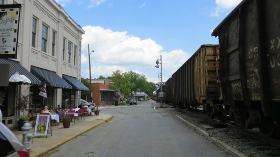 Ashland, Virginie : Iron Horse Restaurant with train