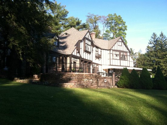 Bear Creek, PA: Front of the property