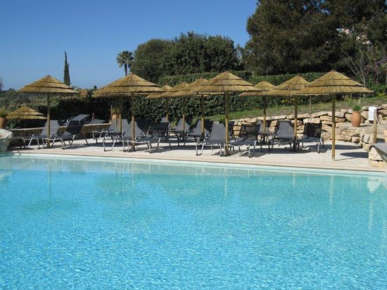 Saint-Cyr-sur-Mer, France : Outdoor pool, Dolce Fregate Provence, Bandol 