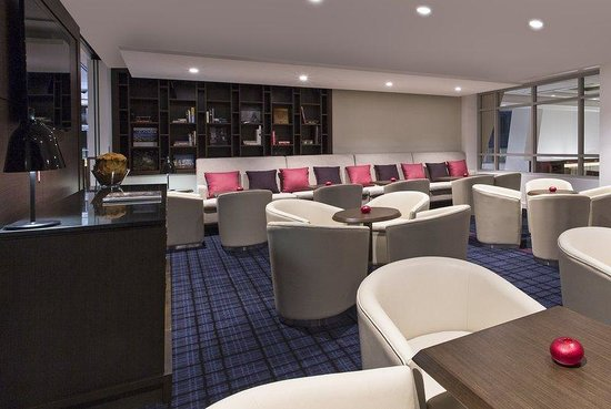 Swissotel Sydney: Executive Lounge Library